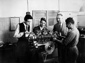 Building the famed Ferrari V-12 engine
