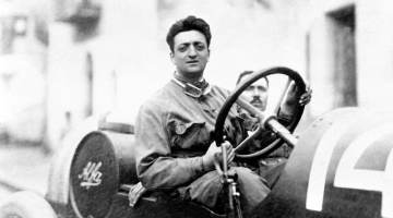 Enzo Ferrari with the mechanic Michele Conti. The car is an Alfa Romeo 20-40 HP. Ferrari's first race with Alfa.