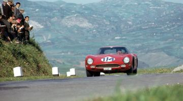 1962 Ferrari 250 GTO, chassis 3413 GT (photo: Klemantaski Collection)