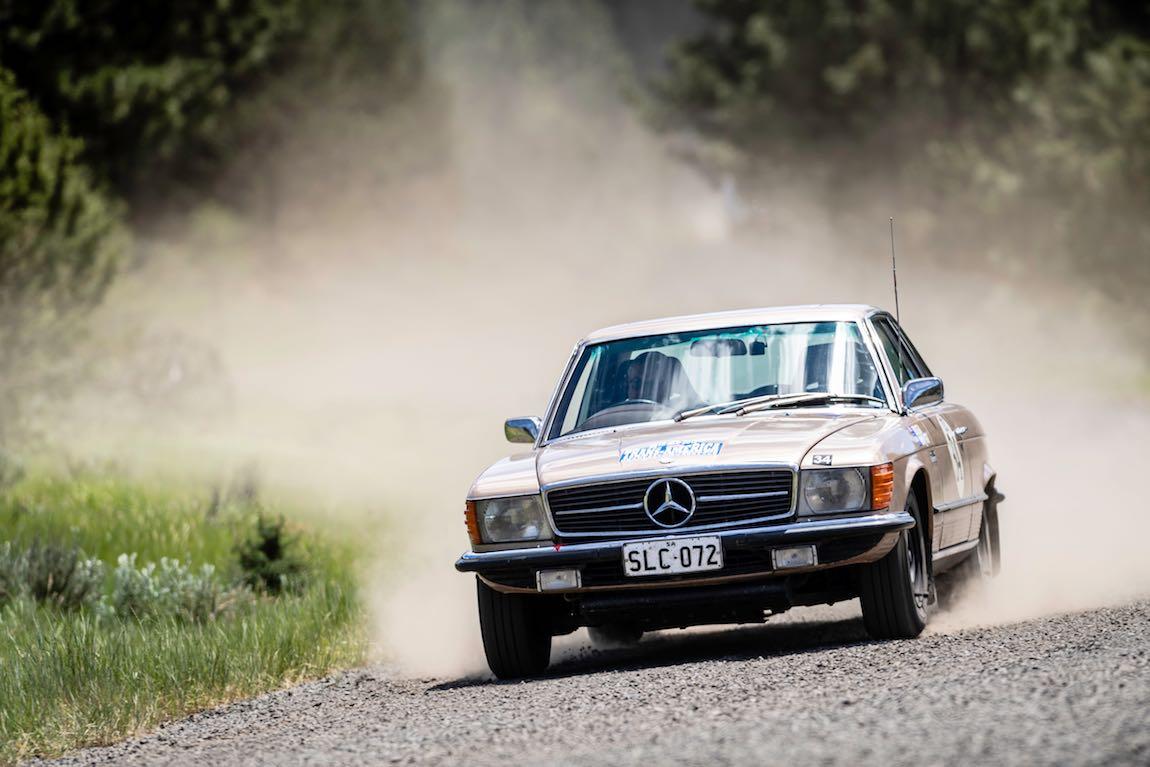 Bill Gill (AUS) / Katherine Gill (AUS) 1972 Mercedes-Benz 350 SLC