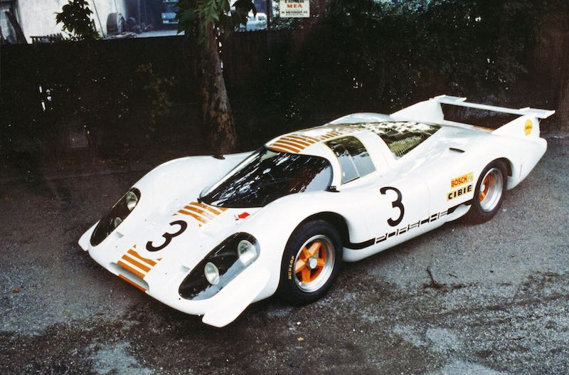 The 917-001 had a new look for its appearance at the International Motor Show in Frankfurt in 1969, for which the car was repainted in white and orange.