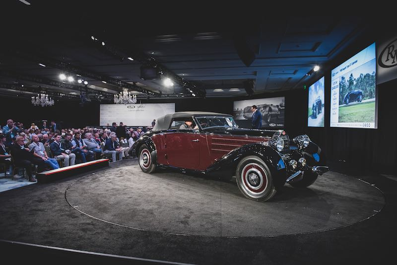 1938 Bugatti Type 57 Cabriolet (Chassis 57589) sold for $1,655,000