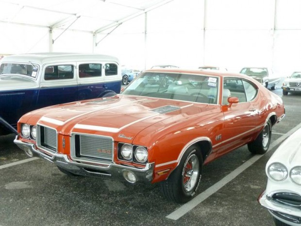 1972 Oldsmobile Cutlass S 4-4-2