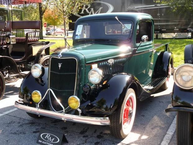 1935 Ford V-8 Pickup