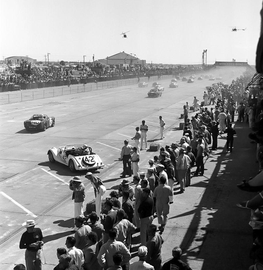 1963 Sebring 12 Hours Start