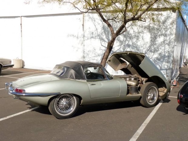 1962 Jaguar E-Type Series One flat floor Roadster