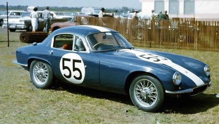 The Lotus Elite of Charles Evans and Sam Weiss. The car would finish 25th overall. BARC boys photo.