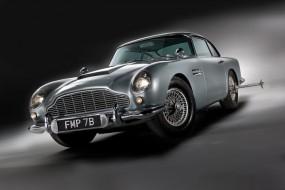 Aston Martin DB5 James Bond Movie Car - Front