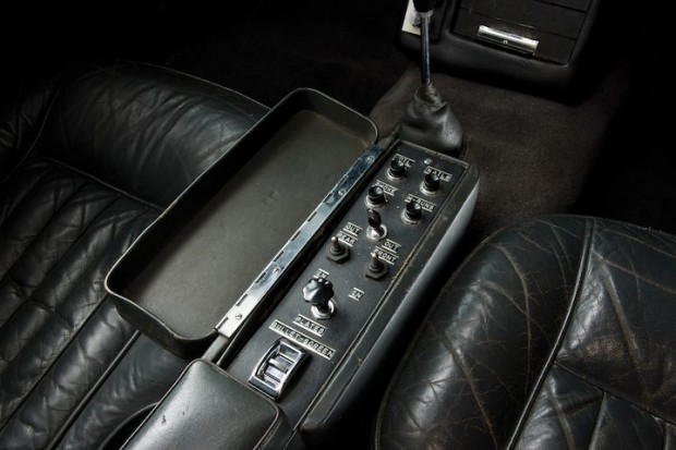 Aston Martin DB5 James Bond Movie Car - Toggle Switches