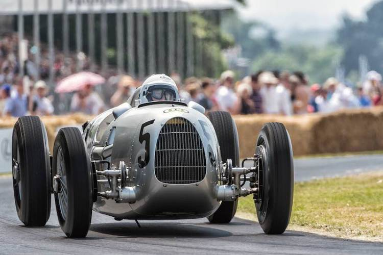 Eighty years ago, Bernd Rosemeyer drove the Auto Union Type C to victory in the European Championship. The one of a kind 16-cylinder racing car is marking this anniversary by running at the Goodwood Festival of Speed and the Classic Days at Schloss Dyck.