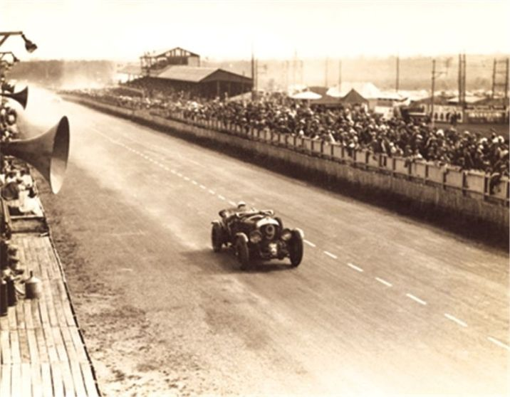 Tim Birkin in the 1930 Le Mans Bentley 4.5 Litre Supercharged racer