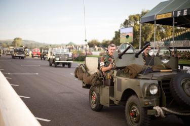 Land Rover Parade (photo: Stephanie O'Callaghan)