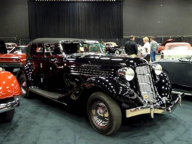 1936 Auburn 852 Supercharged Phaeton Sedan