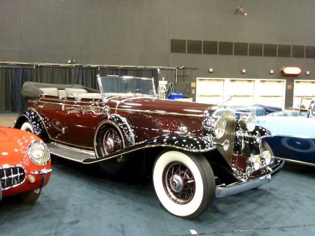 1932 Cadillac 452-B V-16 All-Weather Phaeton