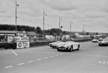 The 1953 Cunningham C-5R at the 1953 24 Hours of Le Mans