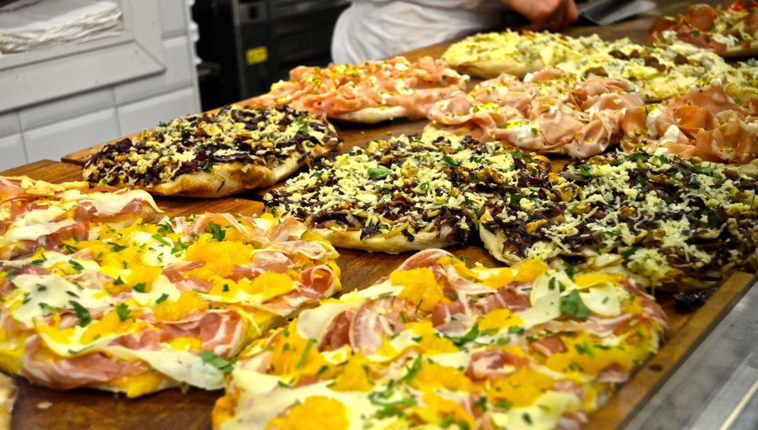 8 Authentic Italian Pizza Toppings You Wont Find In The