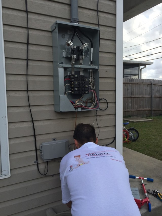 Destrehan, LA - Did 24 hour emergency panel replacement for customer in Destrehan
