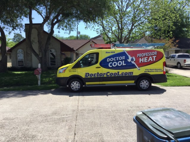 Dickinson, TX - Ac maintenance call. Performed tune up on Trane air conditioning and heating system