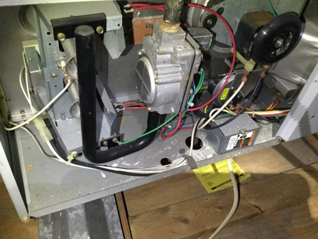 Pearland, TX - I'm at a residence performing a air-conditioning maintenance on 2 Trane units, checking the thermostats and performing a heating tuneup to avoid a service call.  I'm also checking for any plumbing repair that might be needed.  I'm doing my best to give the customer a proper AC tuneup.