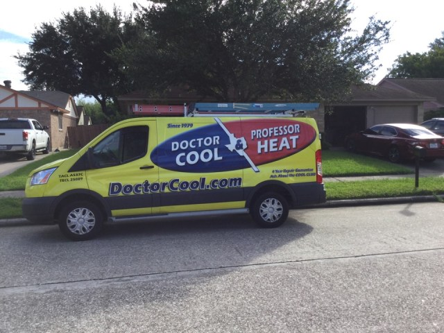 Friendswood, TX - Ac maintenance call. Performed tune up on Carrier HVAC system and replaced failed dual run capacitor under manufacturer warranty