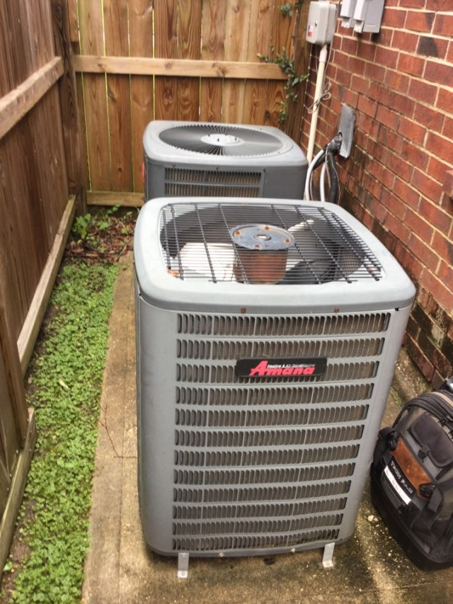 League City, TX - Ac tune up on two Goodman units in league City Tx
