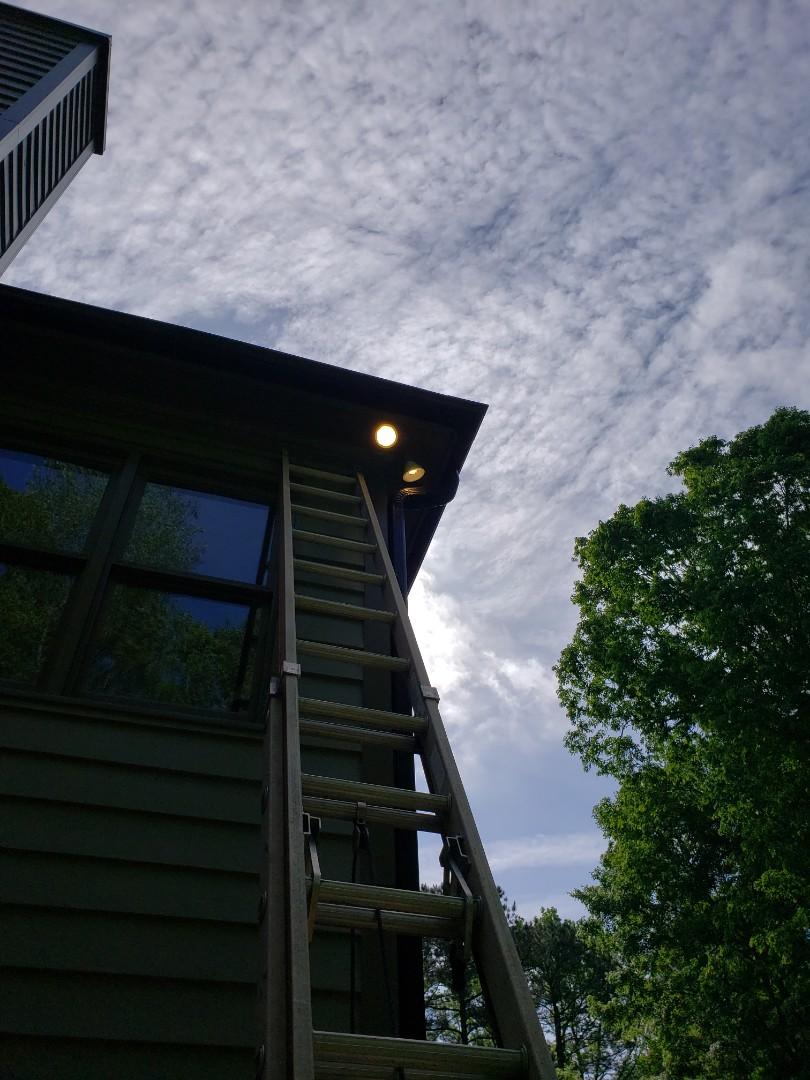 Raleigh, NC - Fix flood light