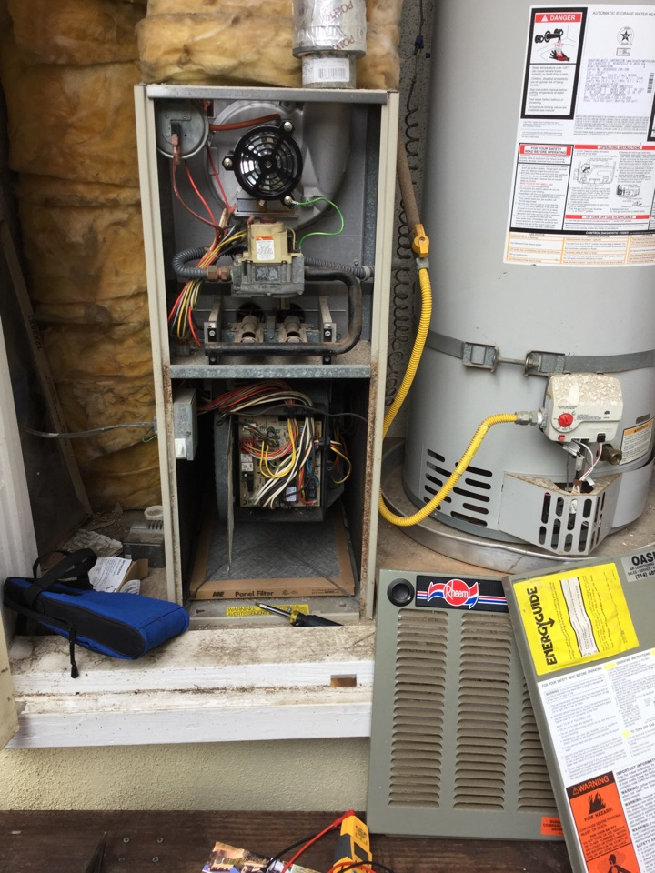 Laguna Beach, CA - Troubleshooting furnace