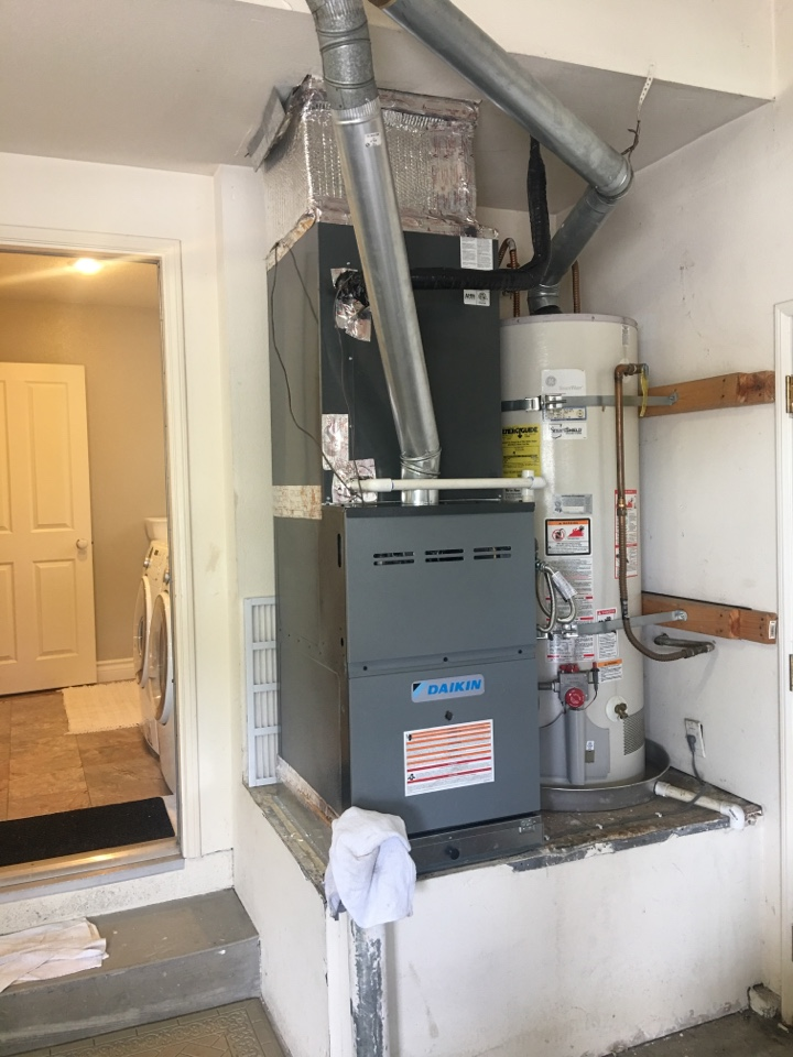 Fountain Valley, CA - I am finishing an installation