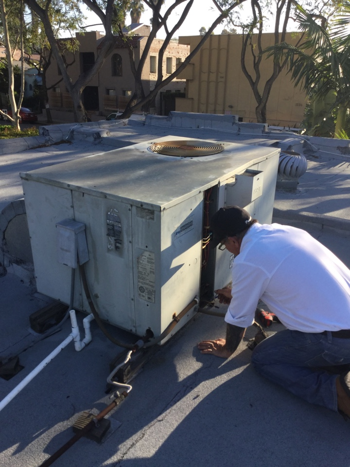 West Hollywood, CA - Package unit rattling noise troubleshooting