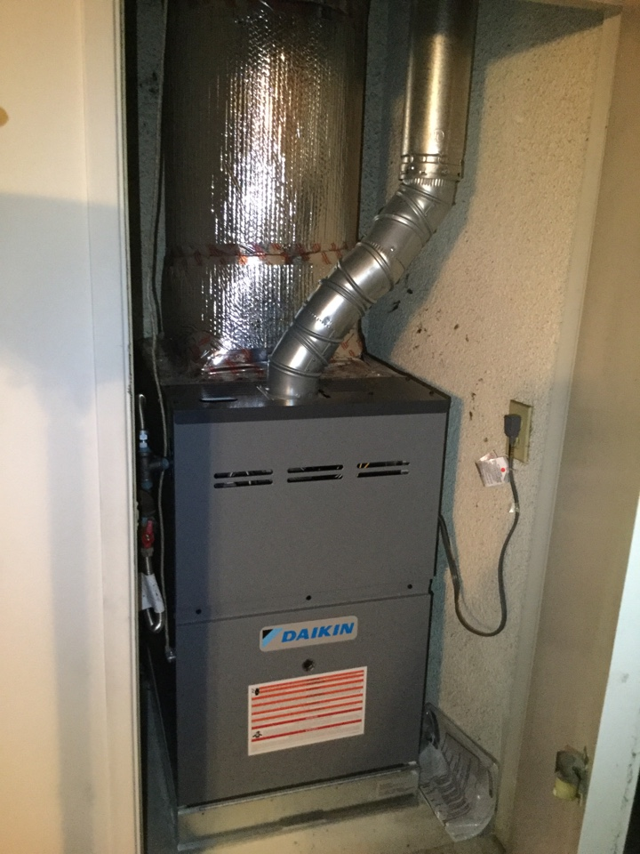 Tustin, CA - Inspecting new furnace install