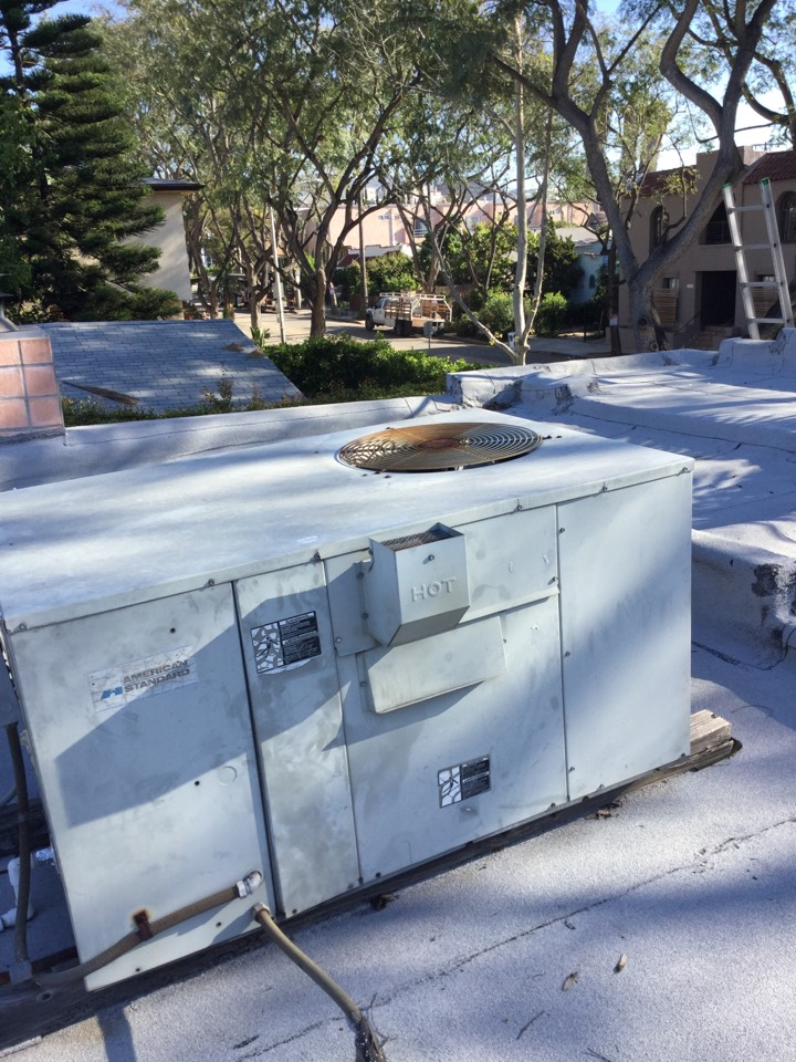 West Hollywood, CA - Residential package unit warranty call
