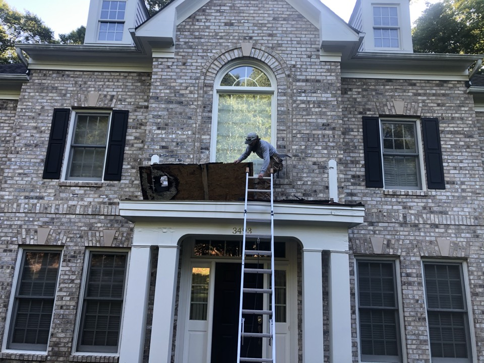 Edgewater, MD - Roof repair and replace the cornice due to rot