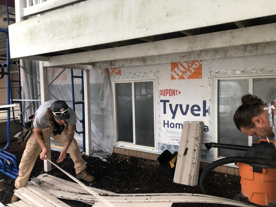 Oxon Hill, MD - Siding removal and replacing the rotted wood in wall