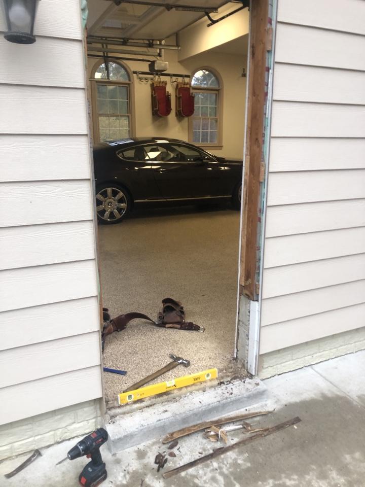 Davidsonville, MD - Replacing garage door