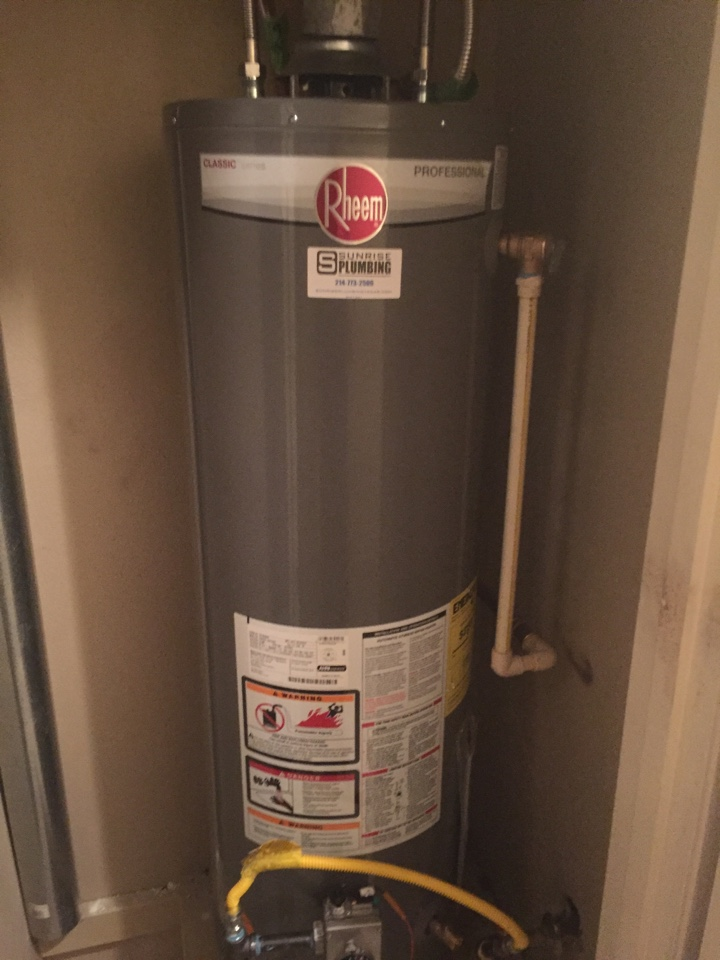 Irving, TX - Water heater leaking gas and hallway closet. Install new water heater. Dallas plumbers
