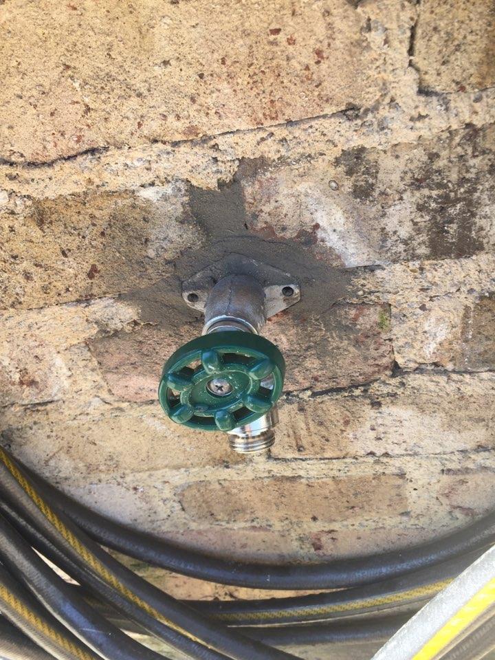 Heath, TX - Outside Frostproof faucet leaking on right side of home. Install new frostproof faucet. Rockwall plumbers