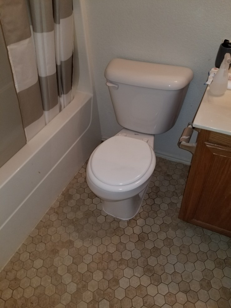 Garland, TX - Toilet leaking around base. Need repair. And saw new wax ring underneath toilet and hallway guest bathroom. Garland plumbers