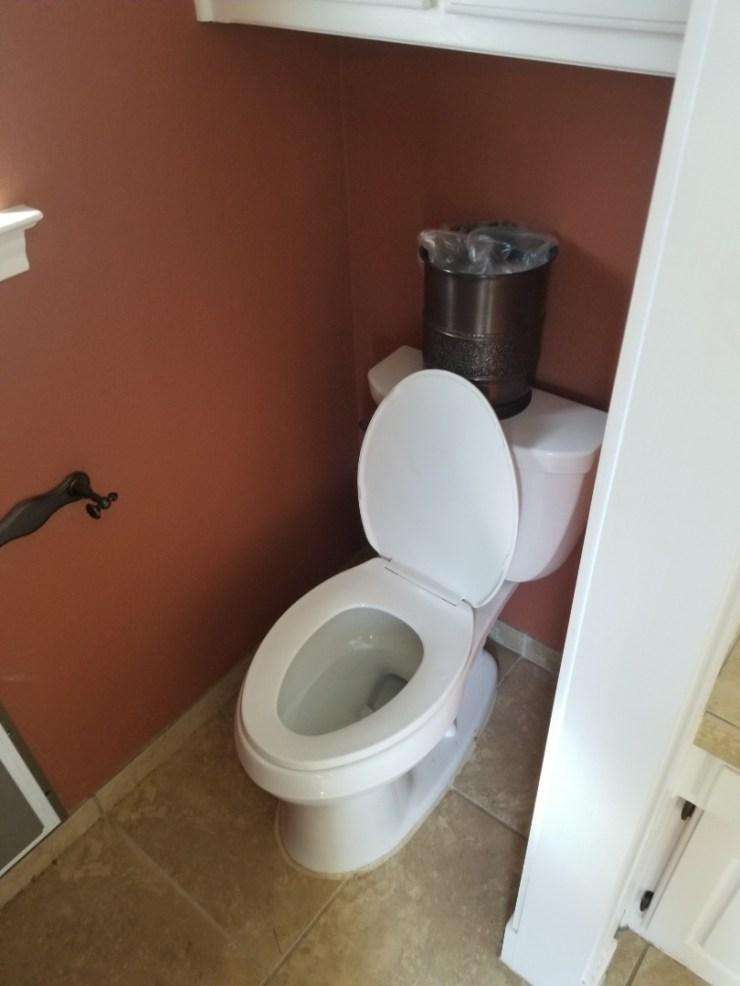 Mesquite, TX - Leak coming through kitchen ceiling. Need repair. reset toilet in up stairs Hallway bathroom. Mesquite plumbers.