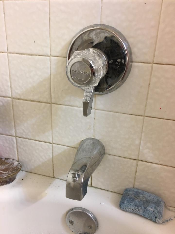 Mesquite, TX - Shower valve not working needs repair. Repair mixet shower valve. Install new cartridge.