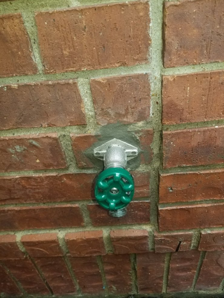 Plano, TX - Frostproof faucet on outside wall is leaking need repair. Install new Frostproof faucet. Plano plumbers
