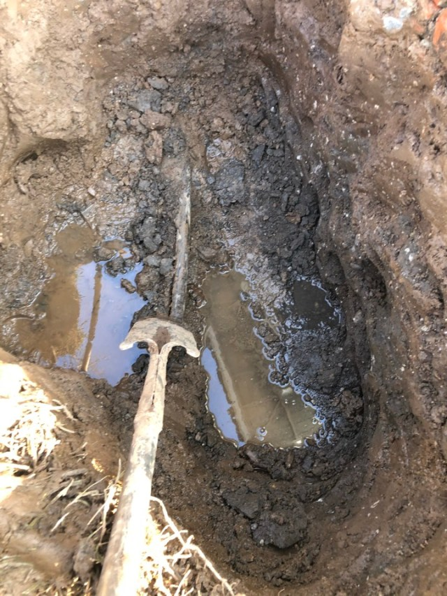 Azusa, CA - Repair on water main leak in the city of Azusa