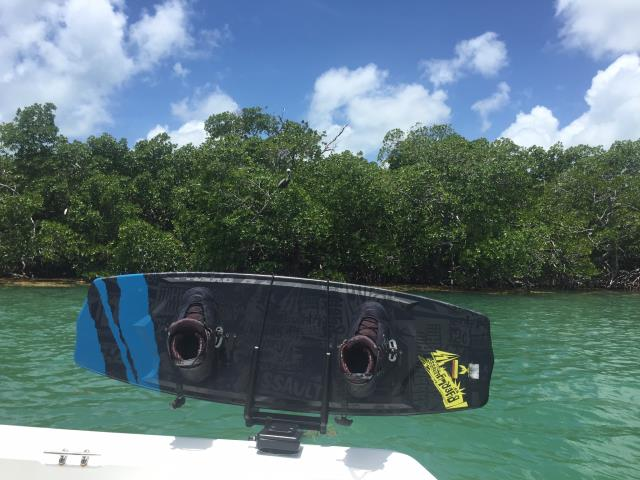 Tavares, FL - Protect your wakeboards, boat, and passengers with Manta Racks B3.