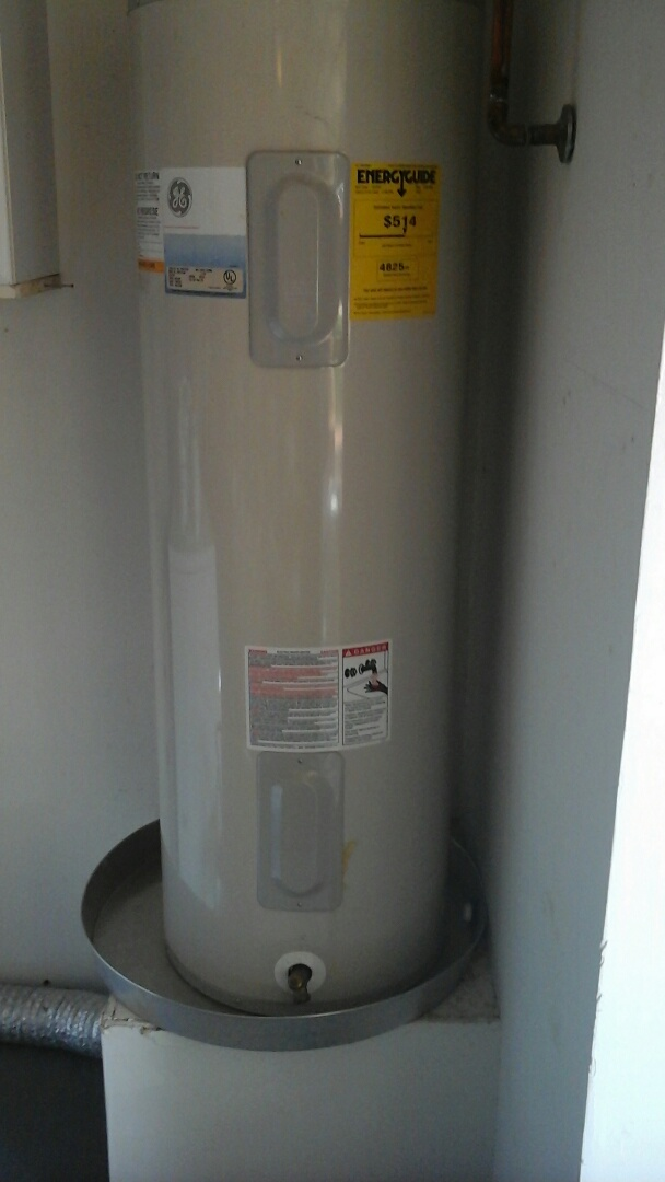 Waxahachie, TX - Water heater needs a pan installed