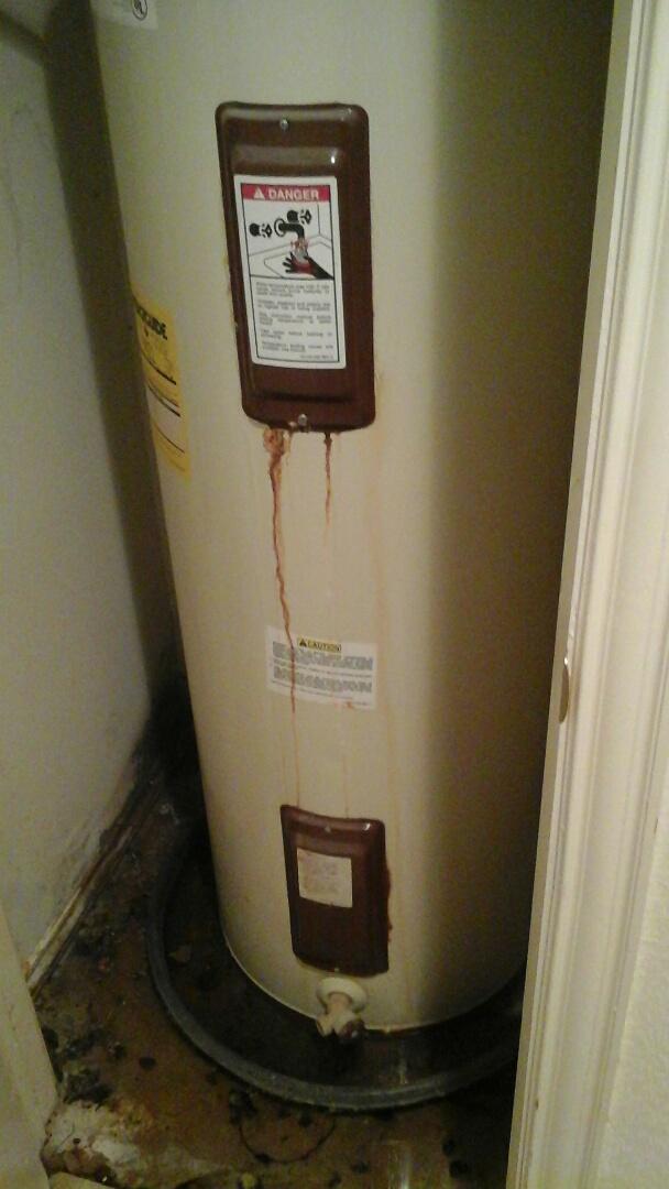 Cedar Hill, TX - Water heater leaking