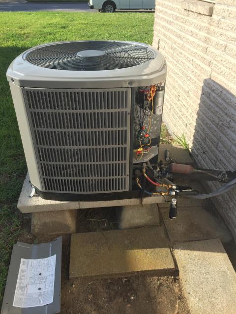 Houston, TX - Repairing a heat pump in Houston, TX