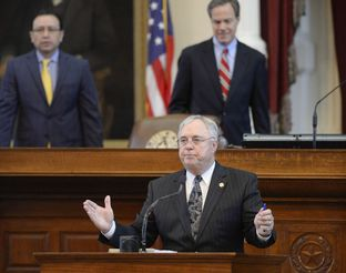 State Rep. Drew Darby, R-San Angelo, lays out HB 40 that would curb local control over oil and gas activities on April 17, 2015. With a 122-18 vote, the House sent the bill to the Senate.
