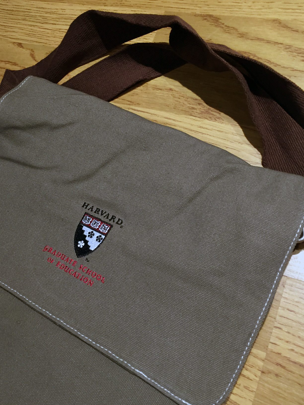 Harvard University Messenger Bag
