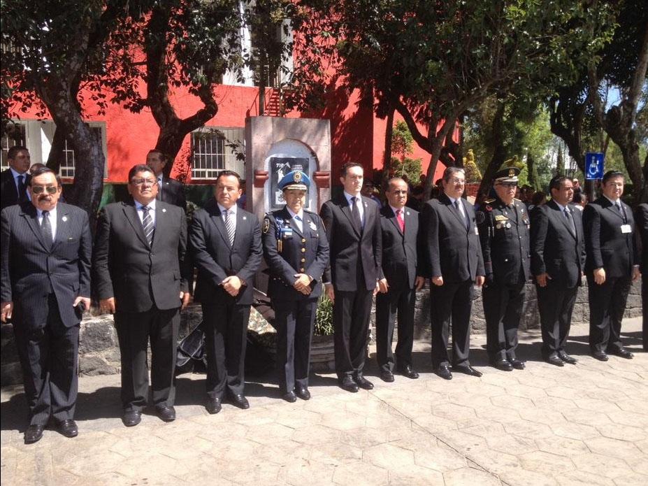 Recuerdan a héroes y víctimas en explosión de Cuajimalpa