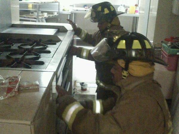 Desalojan hospital de Tláhuac por falsa alarma de fuga de gas