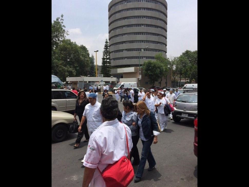 Desalojan hospital de Pemex por fuga de gas